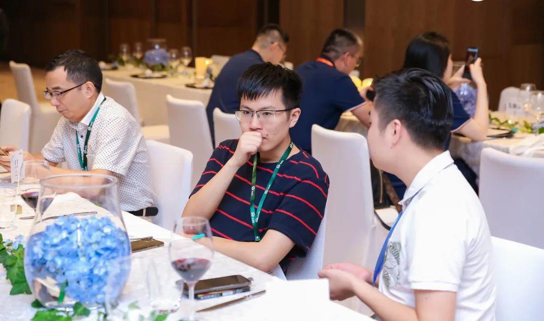 这届AWE Asia 2021大会,与会者均可「免票」参加交流酒会!